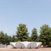 © Delfino Sisto Legnani/Marco Cappelletti, Maidan Tent, Ritsona/Grecia, Prospetto chiuso, Fotografia, 2018, da: www.archdaily.com
