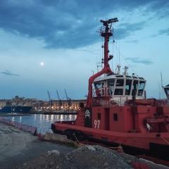 © Marco Grattarola, Ponte Parodi, Rimorchiatore, Genova, 2018